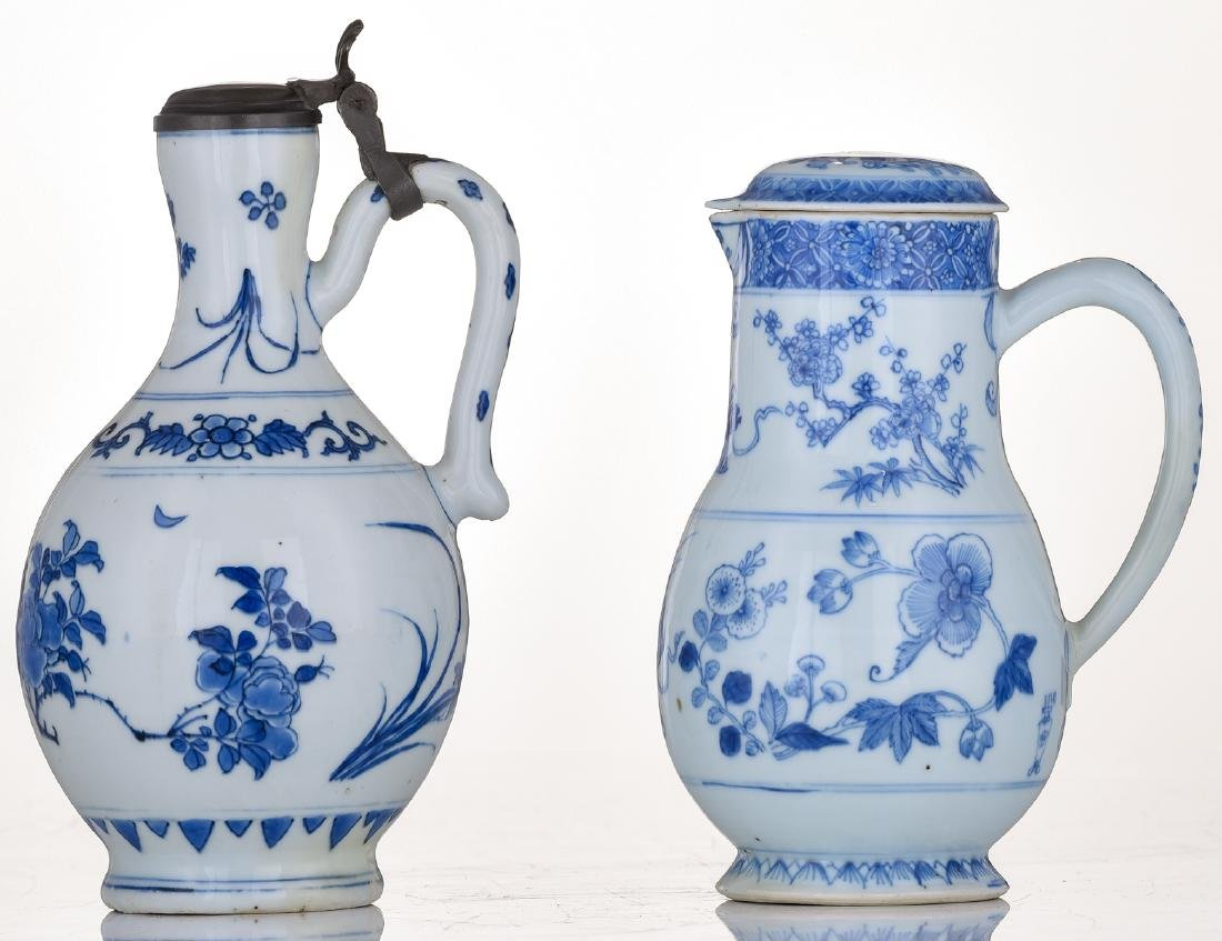 A lot of a Japanese Arita blue and white jug with - 2