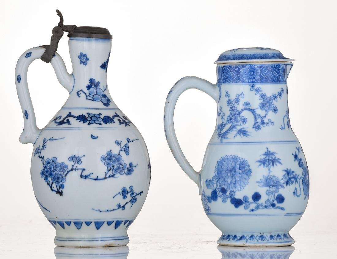 A lot of a Japanese Arita blue and white jug with - 4