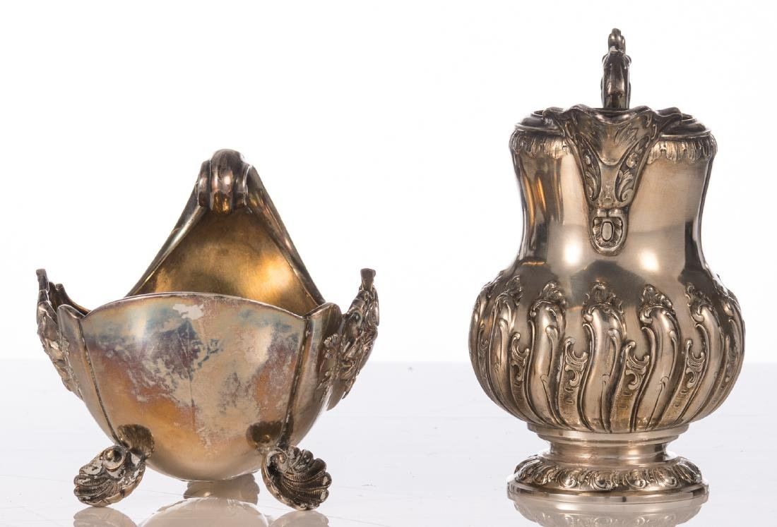 A German silver Rococo style shell shaped sauce boat, - 2