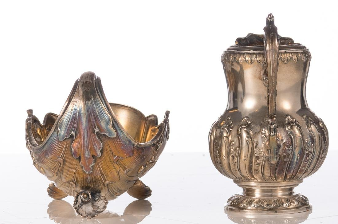 A German silver Rococo style shell shaped sauce boat, - 3
