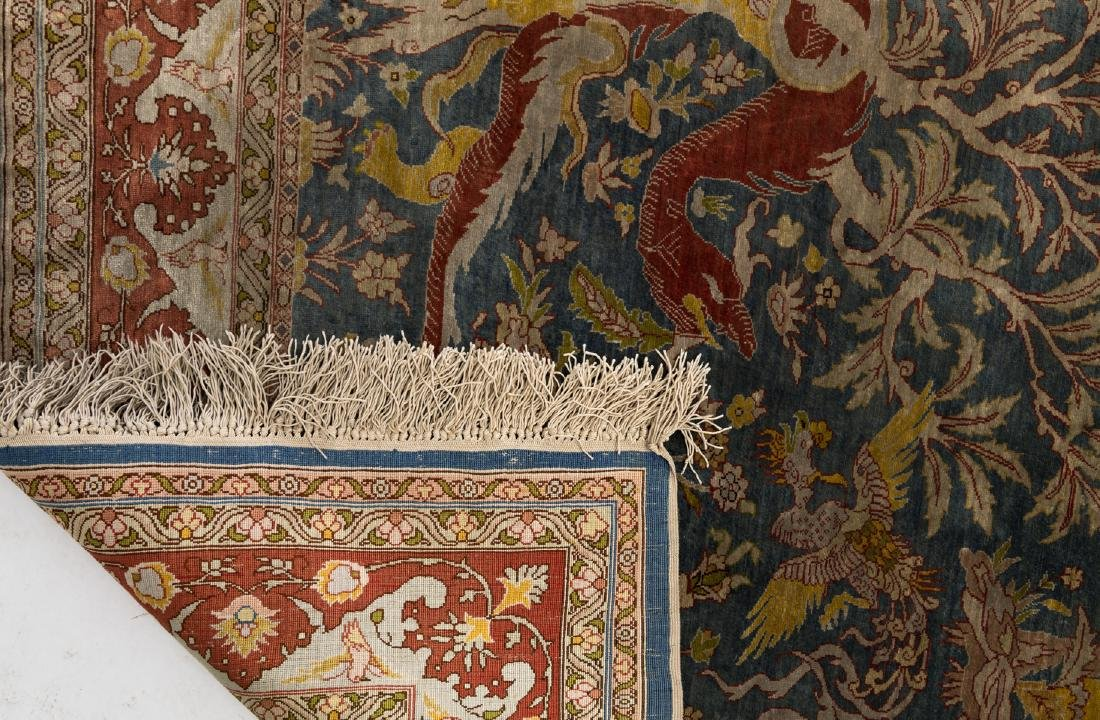 A fine Oriental silk rug, the field decorated with a - 3