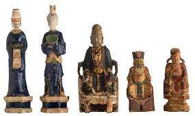 A lot of five various Chinese figures, consisting of