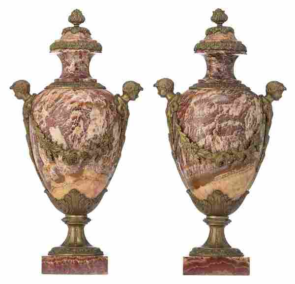 A pair of Neoclassical marble cassolettes, H 57 cm