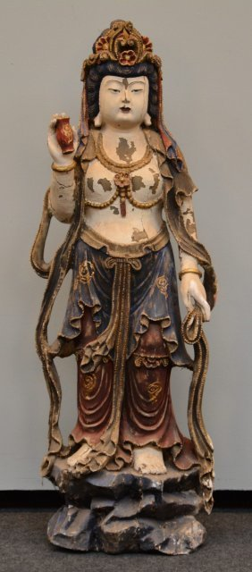 An Exceptional Guanyin Sculpture In Polychrome Wood,