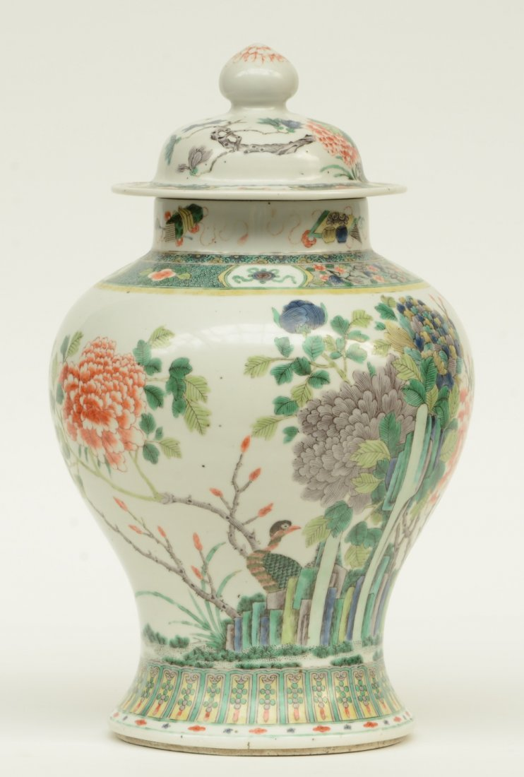 A Chinese famille verte vase and cover, overall - 4