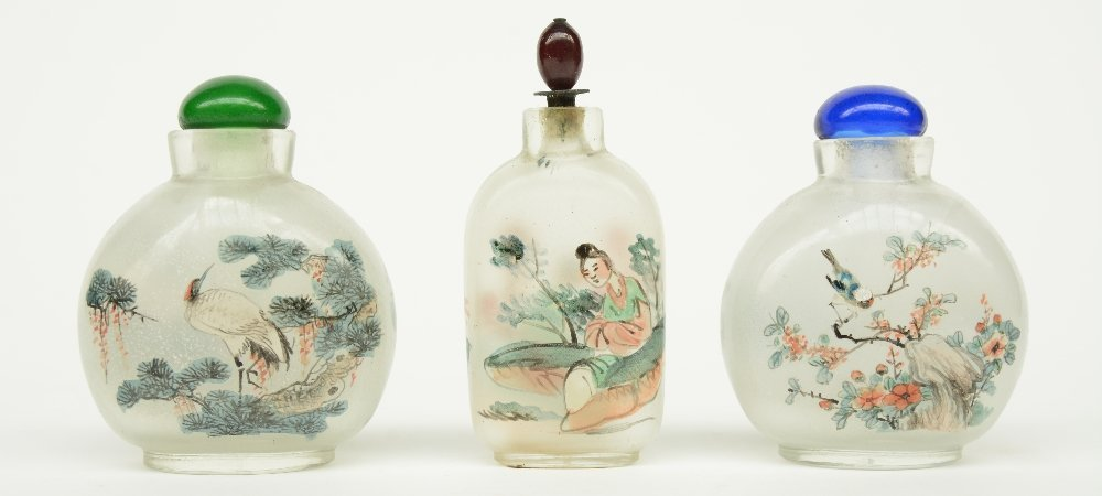 Lot of six Chinese inside-painted glass snuff bottles, - 3