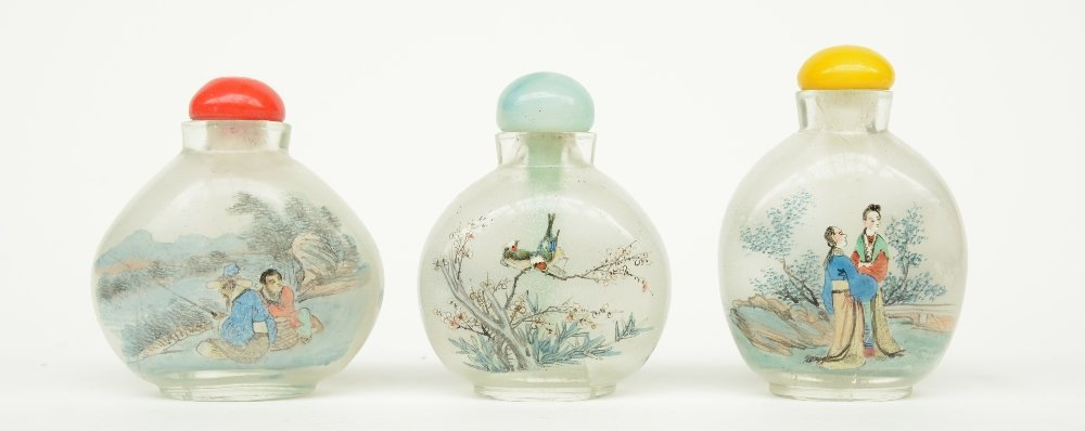 Lot of six Chinese inside-painted glass snuff bottles, - 4