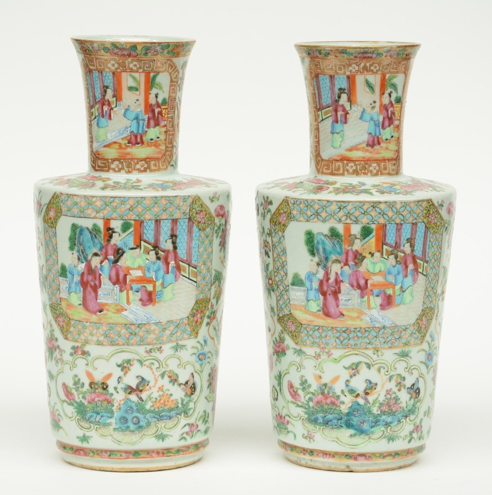 A pair of Chinese Canton famille rose vase, the panels - 3