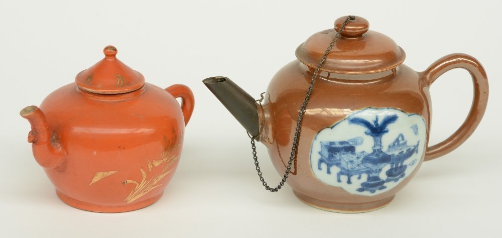 Two Chinese teapots and covers, one teapot café au