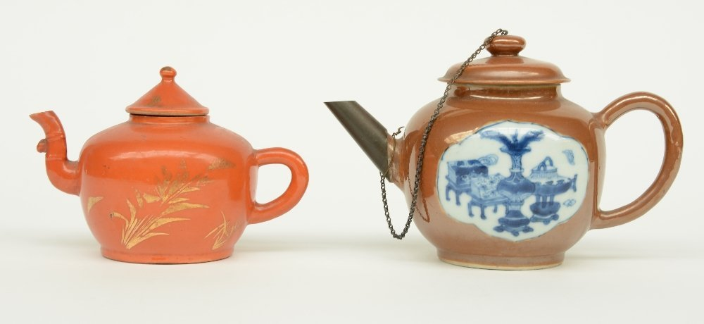 Two Chinese teapots and covers, one teapot café au - 2