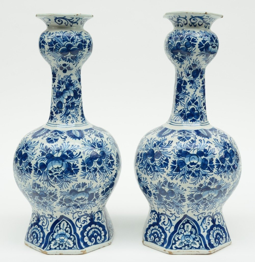 Two blue and white decorated Dutch Delftware octogonal - 2