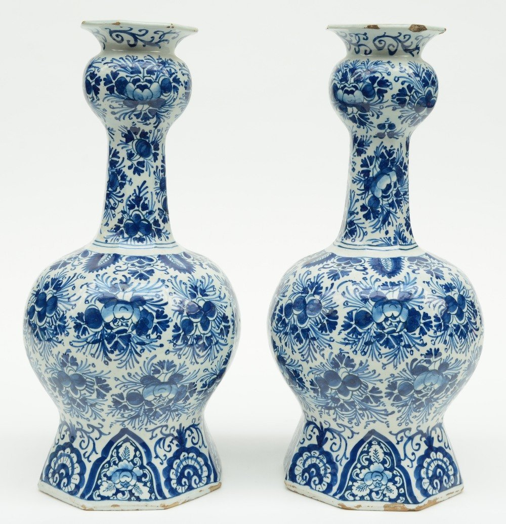 Two blue and white decorated Dutch Delftware octogonal - 3