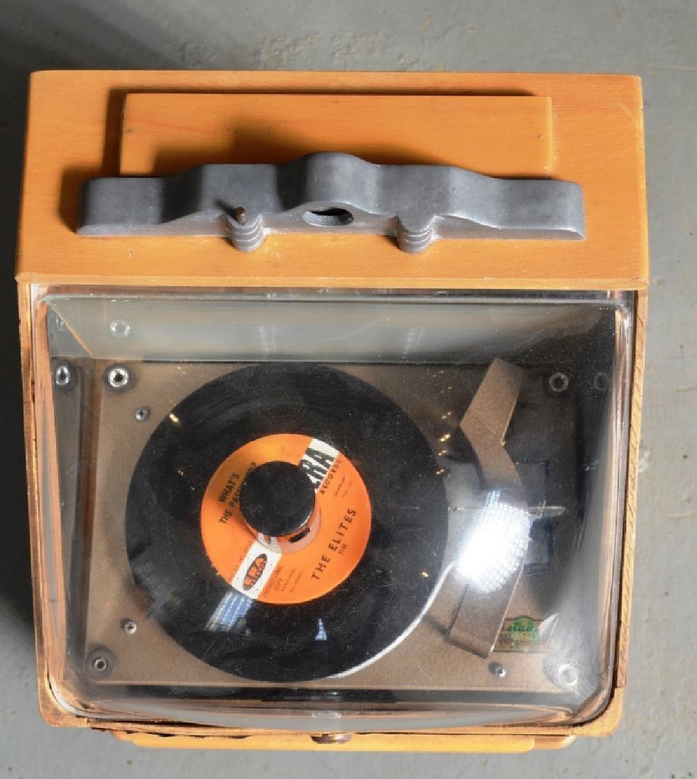 Ristaucrat  Table Top Jukebox - 2