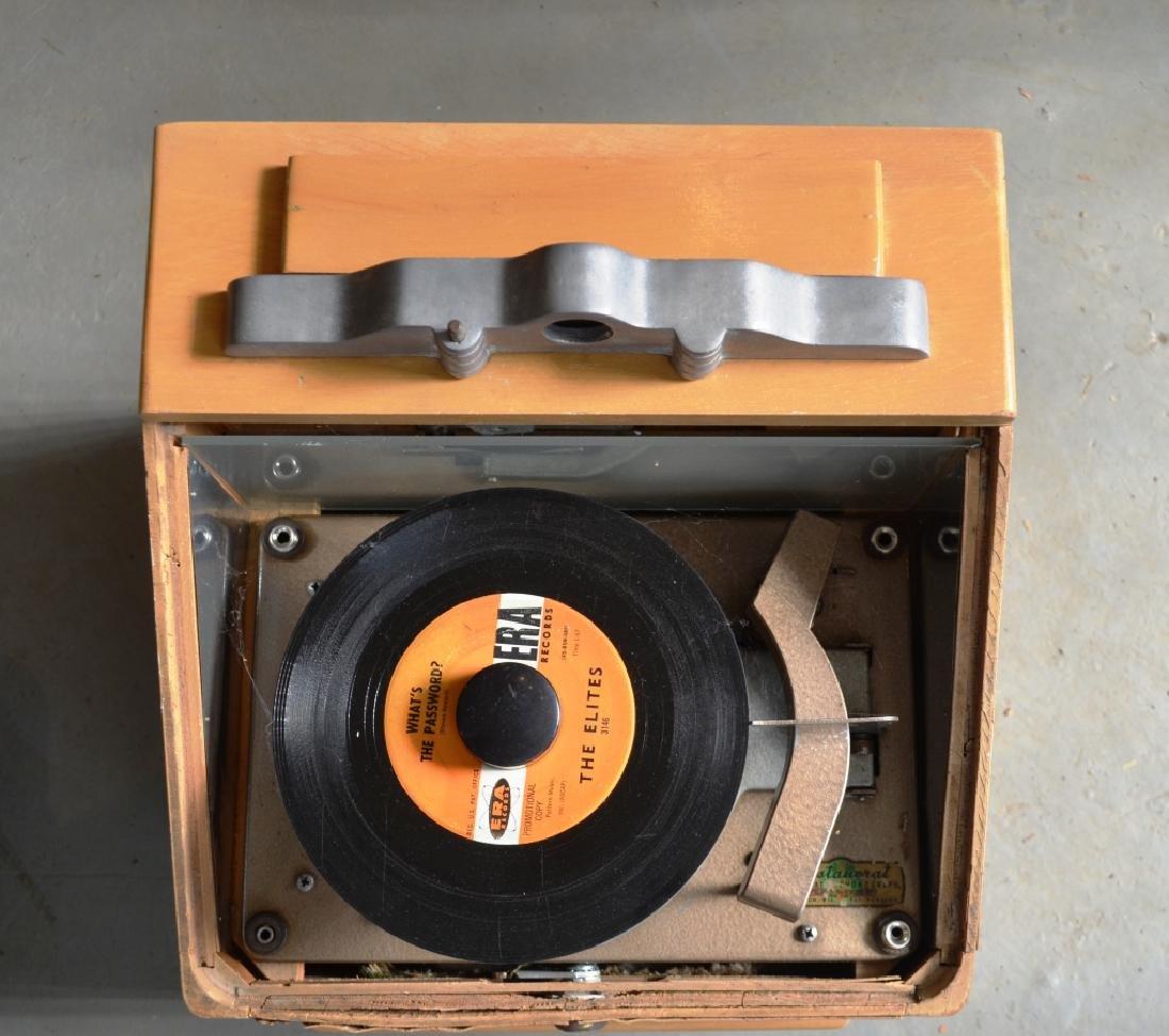 Ristaucrat  Table Top Jukebox - 5
