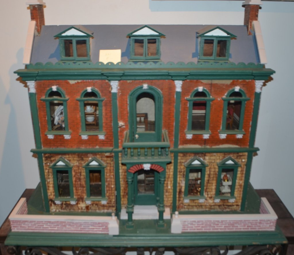 Early 1900's Dollhouse with Furniture - 9