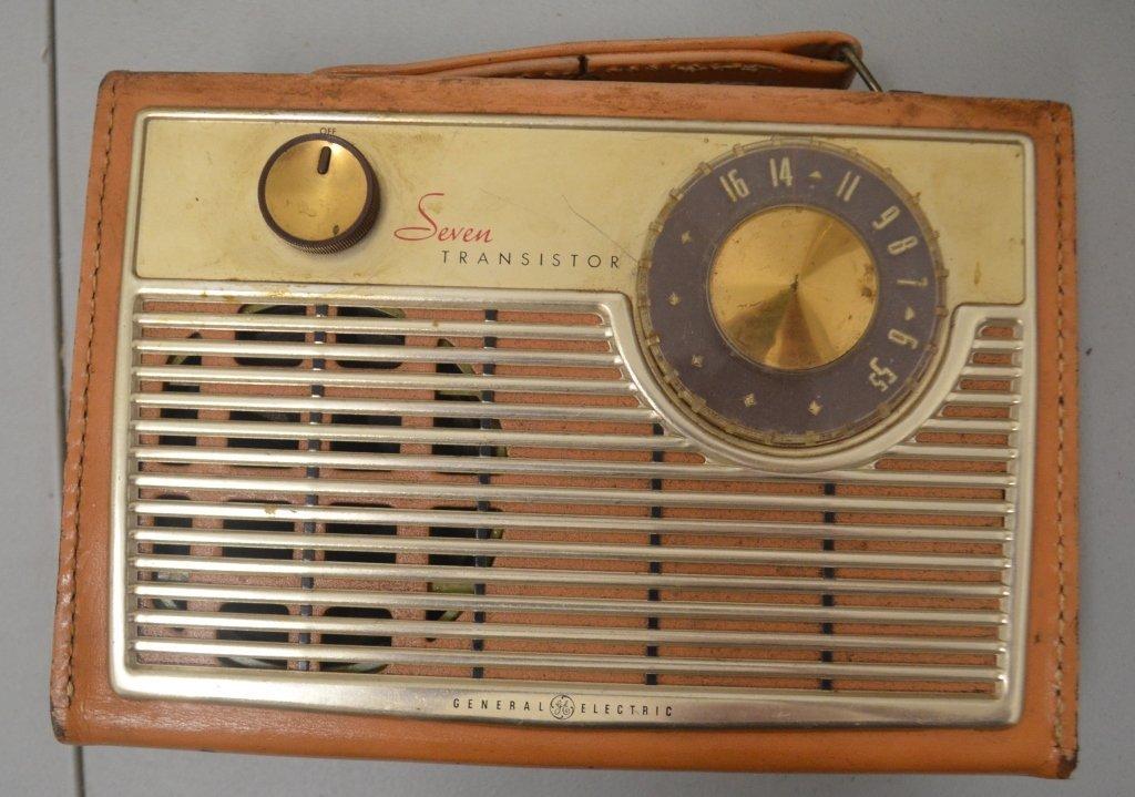 1960 GE 7 Transistor Radio