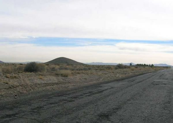 22. BARSTOW AREA (SAN BERNARDINO CO., CA) 10 acres.