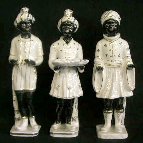 2055: Italian pottery Blackmoor figures