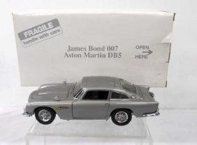 Danbury Mint James Bond Aston Martin DB 5