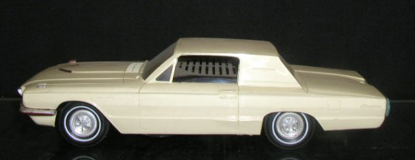 2008: 1966 Philco Plastic Ford Thunderbird Radio