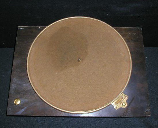 2110: 1920-30's Victor Phonograph Parts - 2