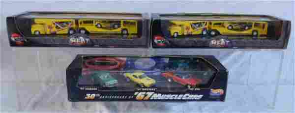 3 Hot Wheels Car & Vehicle Sets