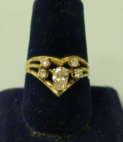 3018: 14k gold diamond ring