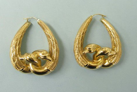 3048: Pierced hoop earrings
