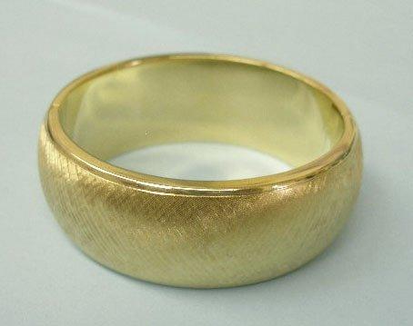 3056: Bangle bracelet