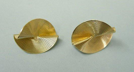 3068: Pr pierced Tiffany 14k y gold earrings