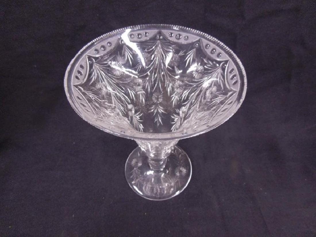 Pairpoint Intaglio Cut Glass Vase - 3