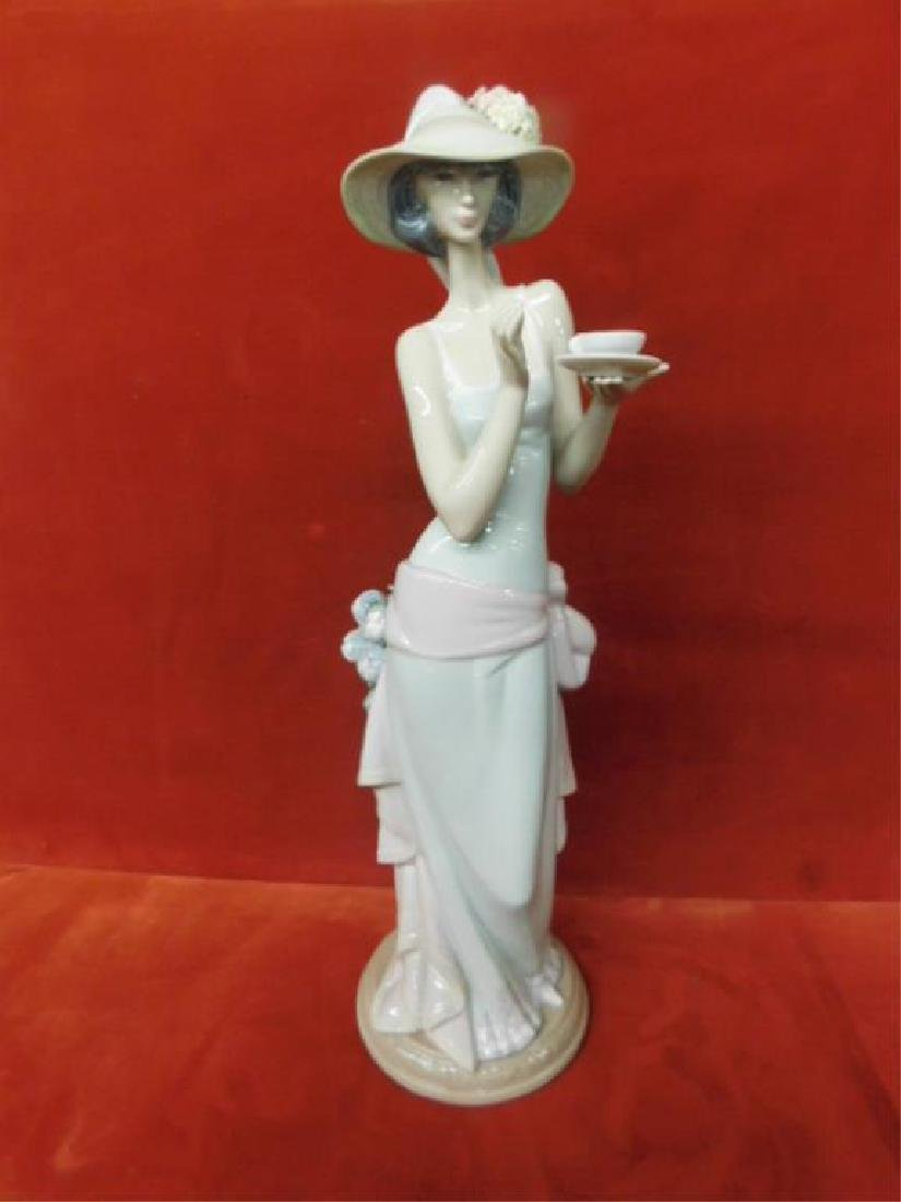 Lladro Porcelain Tea Time Figure