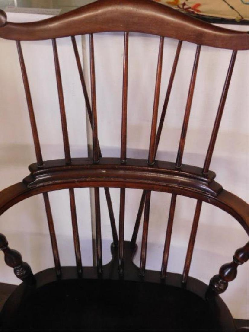 English Comb Back Windsor Style Arm Chair - 3
