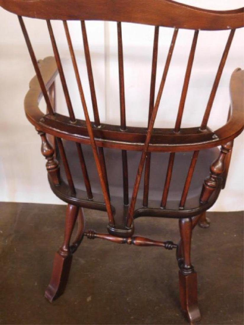 English Comb Back Windsor Style Arm Chair - 4