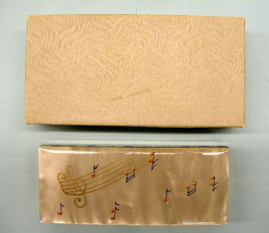 5015: Musical trinket box