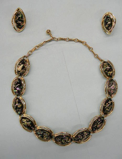 5021: Coro necklace and earring set