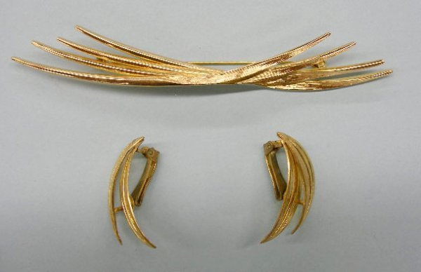5023: Grosse pin and clip earring set