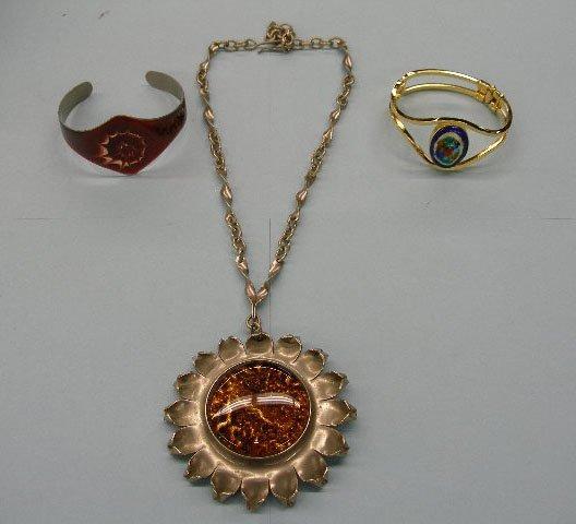 5024: Enameled jewelry lot