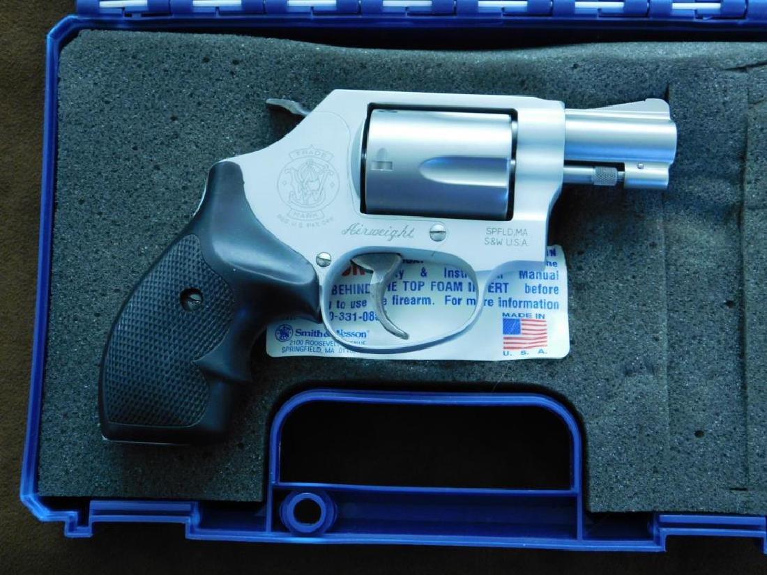 Smith & Wesson .38 SPL + P Revolver - 2