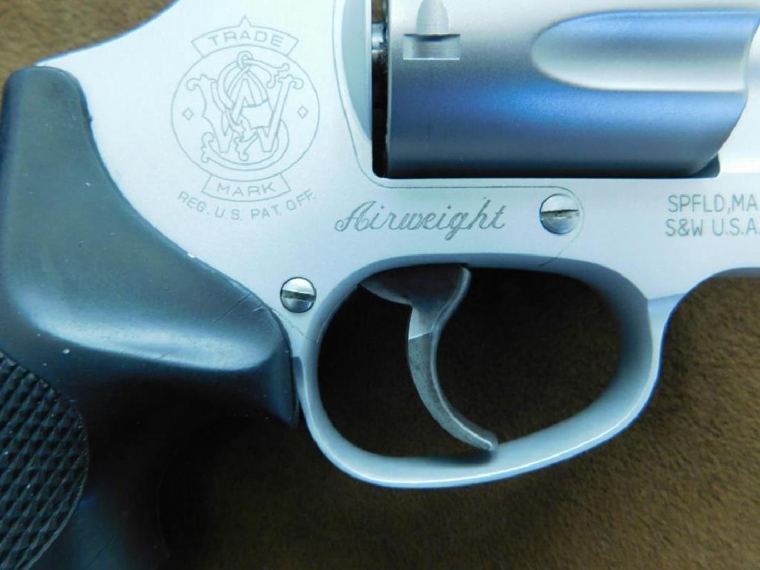 Smith & Wesson .38 SPL + P Revolver - 4