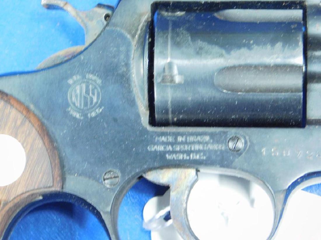 Rossi Model 33 Revolver - 3