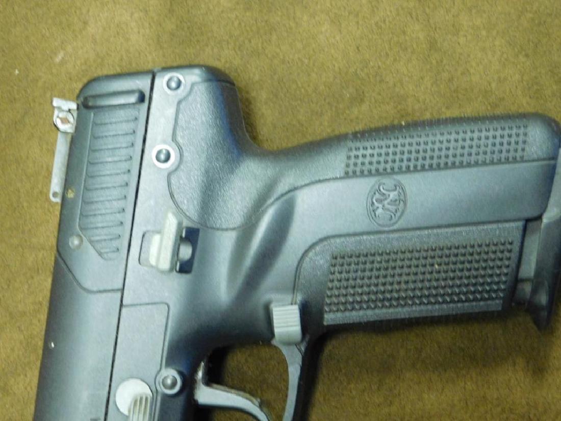 FN Herstal Pistol - 4