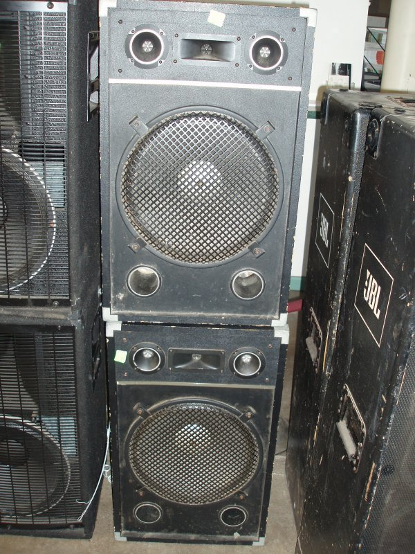 1002: Speakers