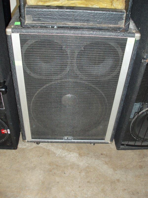 1005: Bass Cabinet