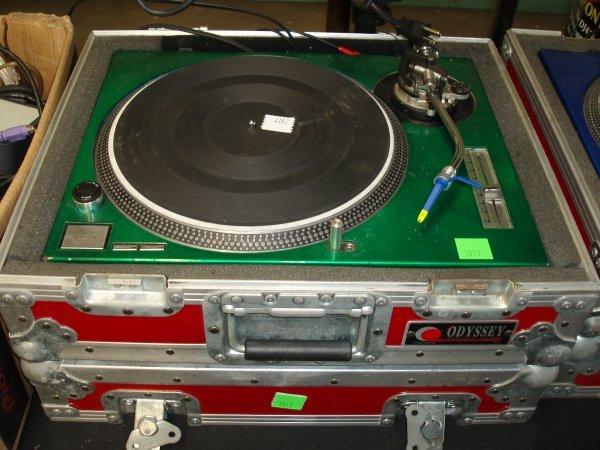 1011: DJ Turntable