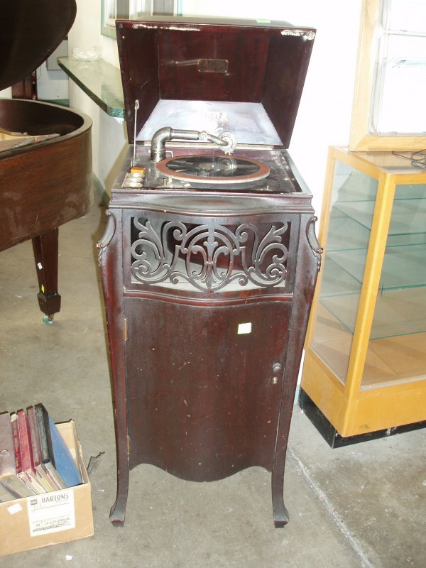 1015: Sonora Phonograph