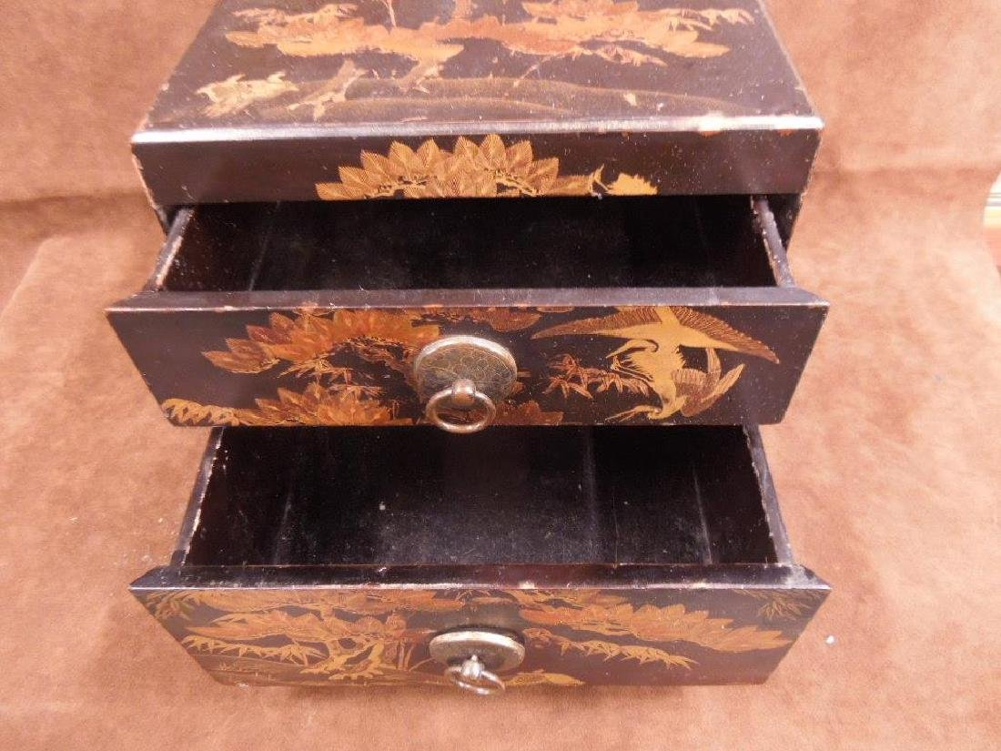 Chinese Lacquered Box - 7