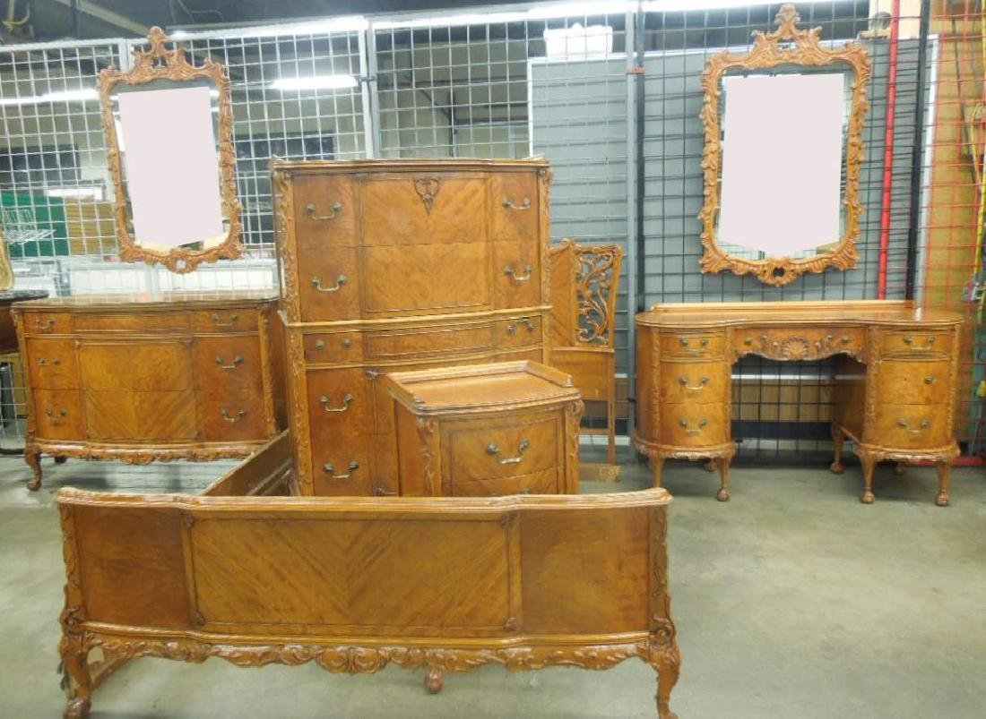 Stylized Chippendale 7 pc Bedroom Set
