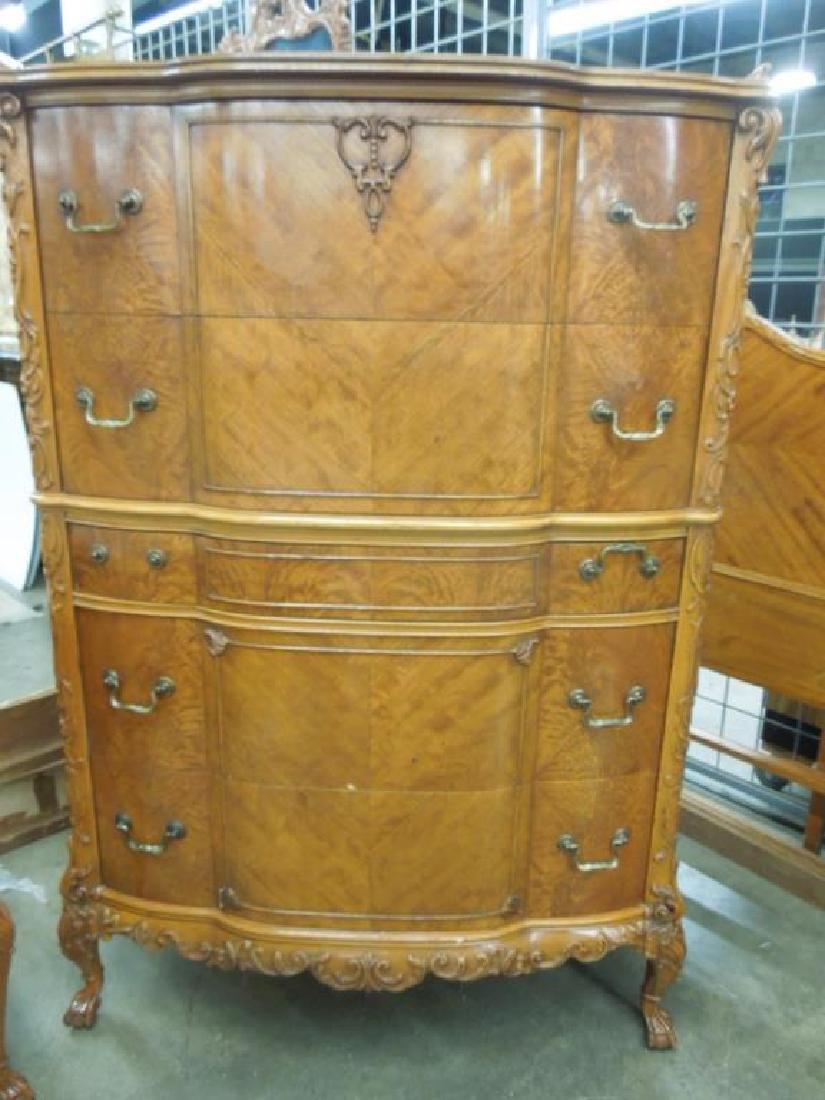Stylized Chippendale 7 pc Bedroom Set - 5