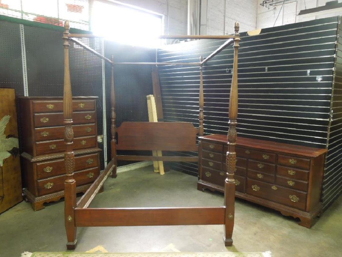 Chippendale Style 3 Pc Bedroom Set